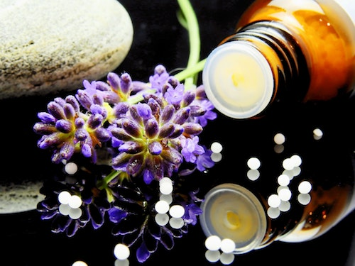alternative-alternative-medicine-aromatherapy-163186